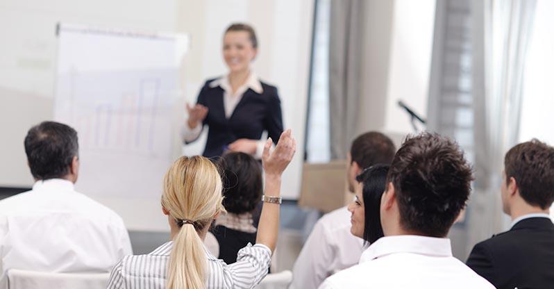 """Comunicación Estratégica """"Cómo construir mensajes para persuadir, vender una idea, generar compromiso o mover a la acción"""""""